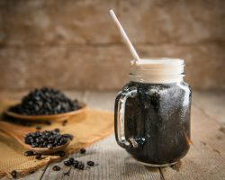 Njut av ett glas nitrokaffe